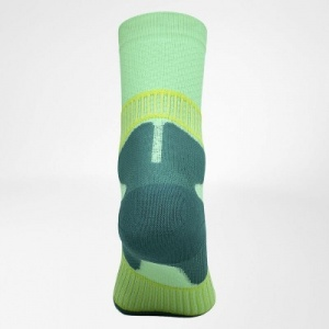 bauerfeind-outdoor-performance-socks-achter